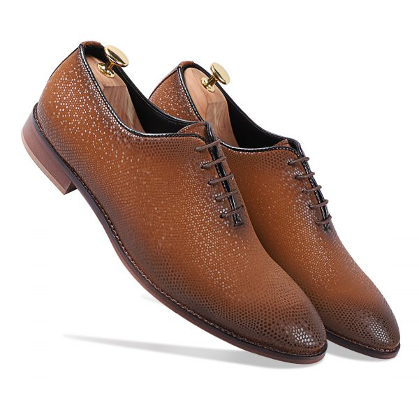Shaded brown lace-up shoes for men